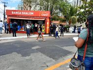 Defensoria consegue liminar que garante remanejamento definitivo das bancas para frente de shopping